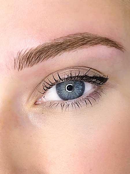 fluffy eyebrows by BeautyBoss